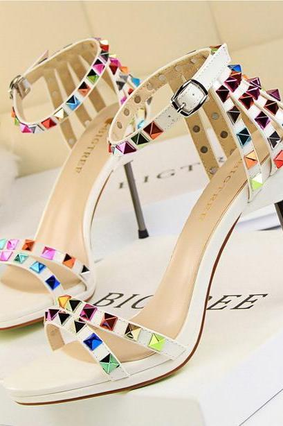 100% high quality 2018 New European Women's Valentine's multicolor revits vintage fashion Slim high heels shoes woman T-strap studded platform nude stiletto pumps sexy retro wedding party casual shoes 9923-5